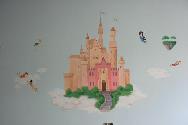 Замок с феями, роспись в детской